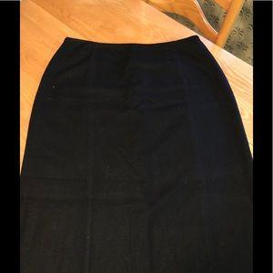 Eddie Bauer size 18 long wool skirt